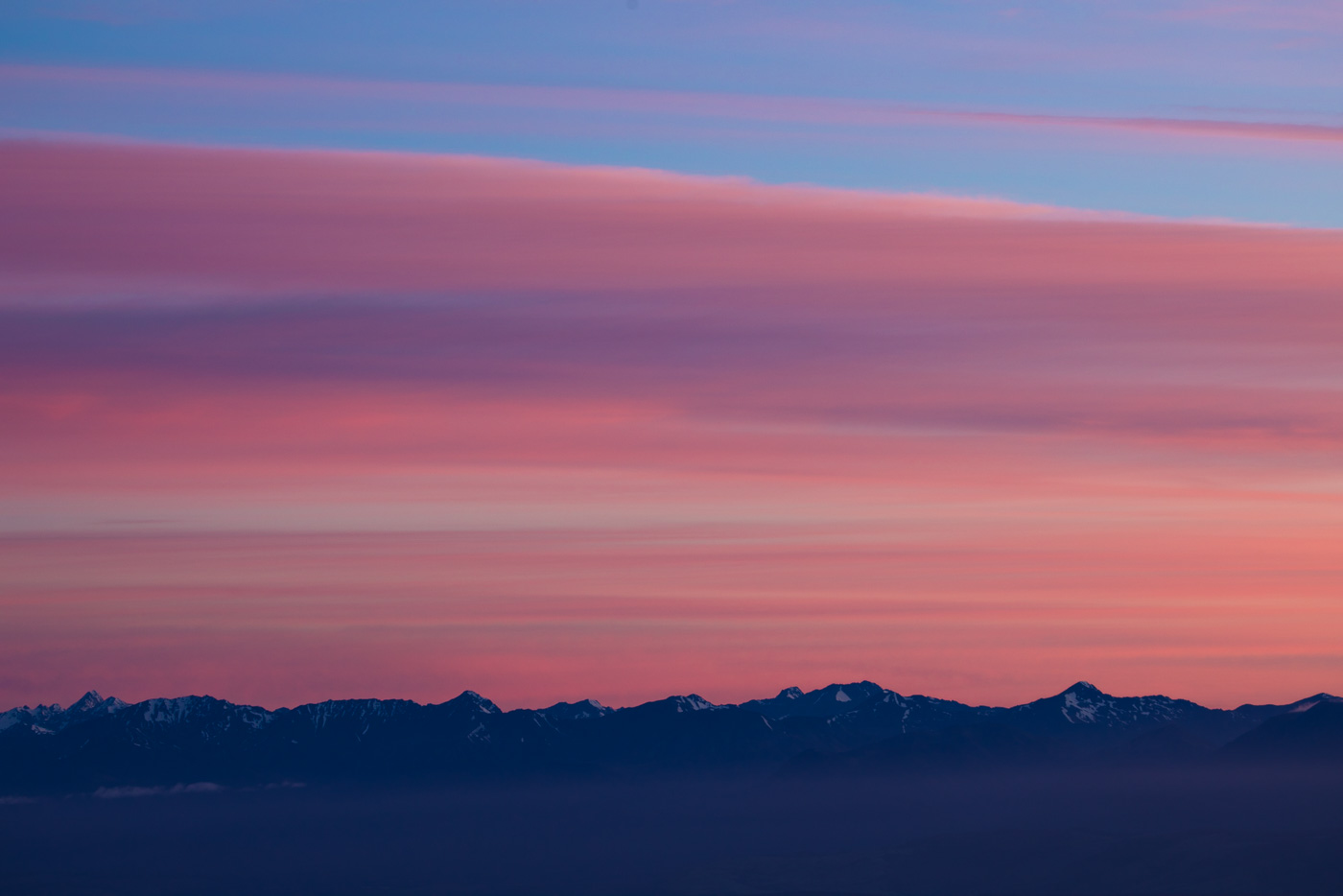 Mountain ranges at dawn from Mount Luxmore